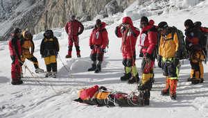 أسوأ انهيار جليدي بقمة إيفرست.. 12 قتيلاً و4 مفقودين حتى اللحظة
