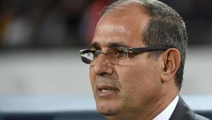 المدرب السابق للمنتخب المغربي يطالب بفتح الحدود المغلقة مع الجزائر