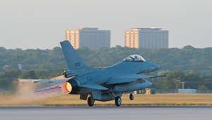 """أمريكا تسلم الجيش المصري 4 طائرات """"إف 16"""".. وتعتبرها خطوة لتحقيق الاستقرار وتعزيز العلاقات التاريخية"""