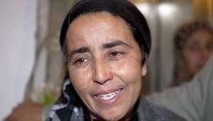 الشرطية التي اتهمت بصفع البوعزيزي: أحسّ أنني المسؤولة عن الموت الذي ينتشر في المنطقة