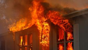 شخص يحرق 15 مصليا داخل مسجد أثناء صلاة الجمعة في الجزائر