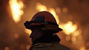 الحرارة المفرطة بالجزائر تؤدي إلى اشتعال 13 حريقا في الغابات