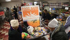 مساعدات غذائية عبر بنوك الطعام