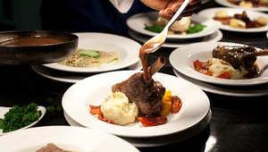 التفتيش الذاتي وأخذ البصمات.. لتناول وجبة بأحدث مطاعم لندن بسجن بريكستون
