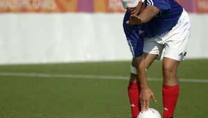 أفضل هداف كرة قدم في العالم... كفيف يتفوق على ميسي