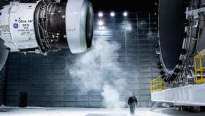 في محاولتها لتبني هذا المفهوم، أطلقت شركة جي أي تطبيقات ذكية لإدارة الطيران تجمع من خلاله بيانات متعددة عن أداء المحركات والطائرات وذلك لخفض نسبة التأخير ودعم تحقيق أهداف زيادة الإنتاجية.