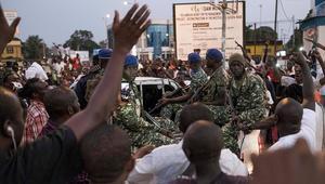 قوات إفريقية تدخل التراب الغامبي لإجبار يحيى جامي على التنحي