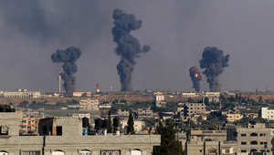 الدخان يتصاعد من بعض المواقع التي استهدفتها إسرائيل داخل قطاع غزة