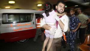 """انتهاء """"الهدنة"""".. عشرات الصواريخ تمطر إسرائيل و3 قتلى بينهم رضيعة في غزة"""