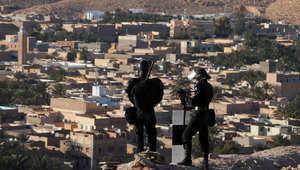 النزاع بين الإباضيين والمالكيين يخيّم على زيارة وزير الخارجية العماني للجزائر