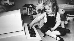 خير رفيق في الزمان كتاب... وفي رحلة البحث عن عمل الإنترنت