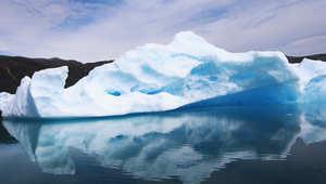 جبل جليدي بالقطب المتجمد