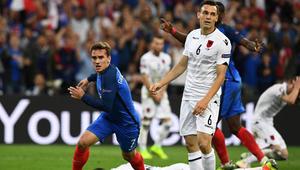 فرنسا تفوز على ألبانيا المتألقة وتتأهل لدور الـ 16