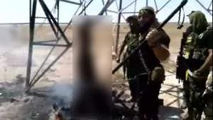 """العراق.. بروز وسم """"حرق سني وتقطيعه بالسيف"""".. مغردون ينسبون العملية لـ """"أبوعزرائيل الشيعي""""..  وموالون لداعش يتوعدون"""