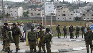 """مقتل فلسطيني وإصابة جندي إسرائيلي في """"هجوم طعن"""" بالخليل"""