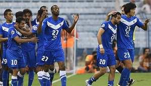 لاعبو نادي الهلال السعودي يحتفلون بتسجيل هدف في مرمى أوزباكستان 14 مايو/ أيار 2014