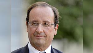 أثار موجة من السخرية والغضب.. هل تعلم كم يبلغ راتب مصفف شعر الرئيس الفرنسي؟