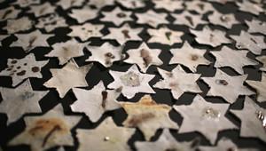 صورة أرشيفية لمعرض يحيي ذكرى الهولوكوست