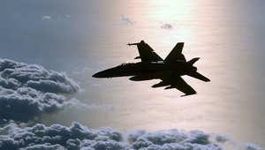 """فوض أوباما الجيش الامريكي شن ضربات جوية """"مستهدفة"""" بالعراق"""