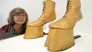 من كافة الأشكال والألوان .. أجمل أحذية سباقات الخيول وأغربها