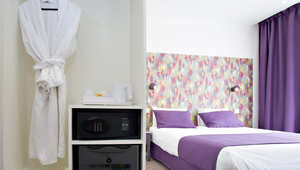 """""""ادفع ما تريد""""..مفهوم جديد تتبناه فنادق باريس لتشجيع السياحة"""