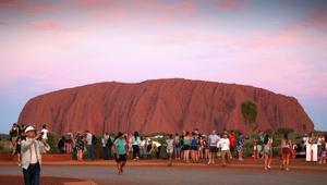 """منع تسلق صخرة """"أولورو"""" في أستراليا بدءاً بالعام 2019"""