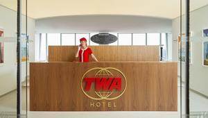 """عد إلى عصر الطيران """"الذهبي"""" في فندق """"TWA"""" في نيويورك"""