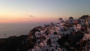 بالصور..12 وجهة سياحية عليك تجنبها في العام 2018