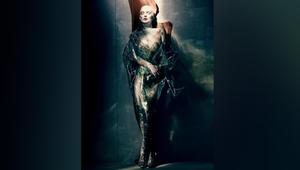 """صور """"مسكونة"""" لعارضات أزياء..بأجواء روحانية"""