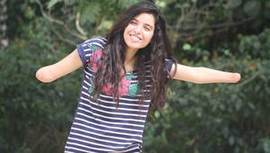 قصة تنتشر في فيسبوك.. فتاة مغربية دون يدين تُحفز الناس على تحقيق أحلامهم
