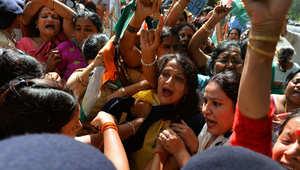 الهند: استبعاد فرضية الاغتصاب بجريمة قتل فتاتين وشنقهما على شجرة مانغو