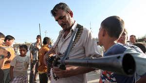 النجف .. أحد المتطوعين للقتال إلى جانب القوات الحكومية العراقية