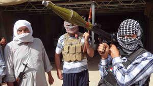 """عراقيون يحملون السلاح استعداد لمجابهة """"داعش"""""""
