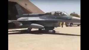 """شاهد: وزير الدفاع العراقي يقود الغارات الجوية من طائرات """"F16"""" و""""L159"""" ضد أهداف إرهابية"""
