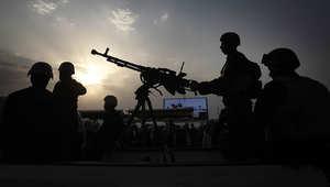 مجموعة من المتطوعين العراقيين المشاركين في قتال عناصر داعش شمال العراق