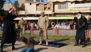 """رهينة سابق يكشف لـCNN سبب """"هدوء"""" ضحايا إعدامات داعش ويخاطب عناصره التنظيم: الله يرفض أفعالكم"""
