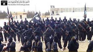 ماكين لـCNN: داعش أقوى وأغنى وأخطر تنظيم بالعالم وأوباما إما مصاب بالصدمة أو بحالة إنكار