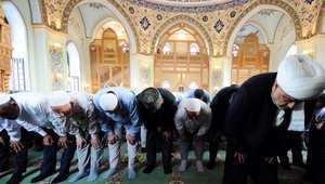 """نائب أذربيجاني: أؤيد بقوة تطبيق التمويل الإسلامي وأغلقنا البنوك الإيرانية لأنها """"غير نقية"""""""