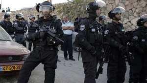إسرائيل: 6 جرحى بعد قيام فلسطيني بإلقاء مادة حمضية عليهم قرب القدس