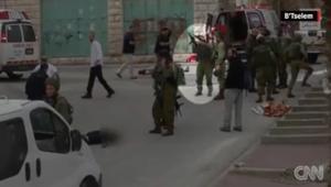 فيديو يظهر جندي إسرائيلي يطلق النار على رأس فلسطيني مشتبه به في عملية طعن