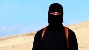 الجهادي جون كما كان يظهر في مقاطع فيديو داعش