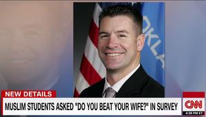أمريكا: نائب جمهوري يسأل 3 مسلمين طلبوا زيارته: هل تضربون زوجاتكم