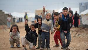 أطفال سوريون لجؤوا مع ذويهم إلى مخيم الزعتري في الأردن