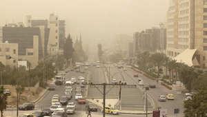 """عاصفة رملية """"قاتلة"""" تجتاح الشرق الأوسط"""
