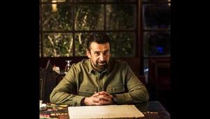 الممثل المصري كريم عبد العزيز