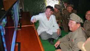 """تجارب كوريا الشمالية الصاروخية تُسعد الزعيم.. وكيم جونغ أون يهدد أمريكا وكوريا الجنوبية بـ""""الضربات القاتلة"""""""