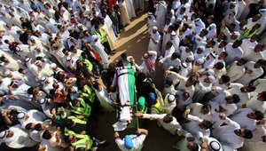 """الكويت.. الآلاف يشيعون ضحايا تفجير """"الإمام الصادق"""""""