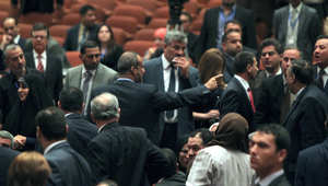 العراق: مقتل قائد الفرقة السادسة بالجيش.. والأزمة السياسية تضرب مجلس النواب مجددا
