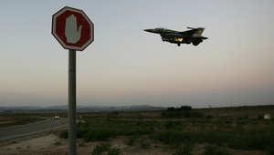 """طائرات سورية تقصف مواقع داخل لبنان وغارات """"وهمية"""" إسرائيلية فوق بيروت"""