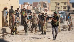 الجزائر تسلم 30 طنا من المساعدات الإنسانية لسكان ليبيا على الحدود
